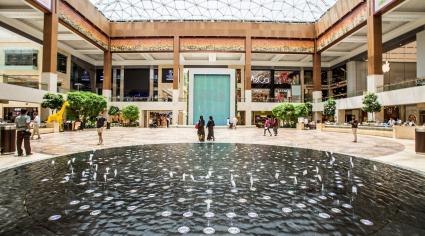 Abu Dhabi restaurants remove Ramadan partitions