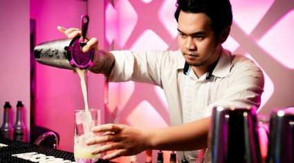 Hilton Dubai The Walk bar hosts mixology class