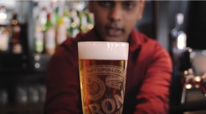 Pouring the pefect pint of Peroni with Reform Social & Grill