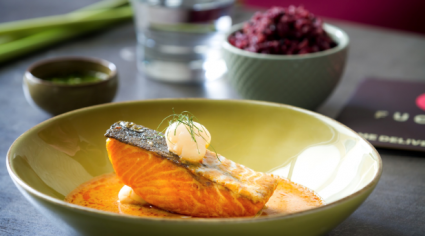 How to: Salmon in coconut red curry sauce from Fuchsia Urban Thai