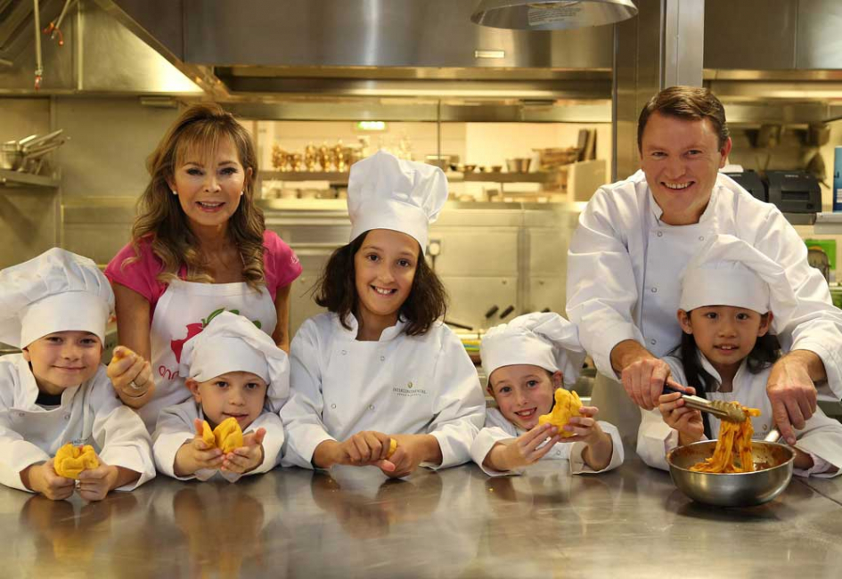 Annabel Karmel MBE and celebrity chef Theo Randall with their team of F&B experts.
