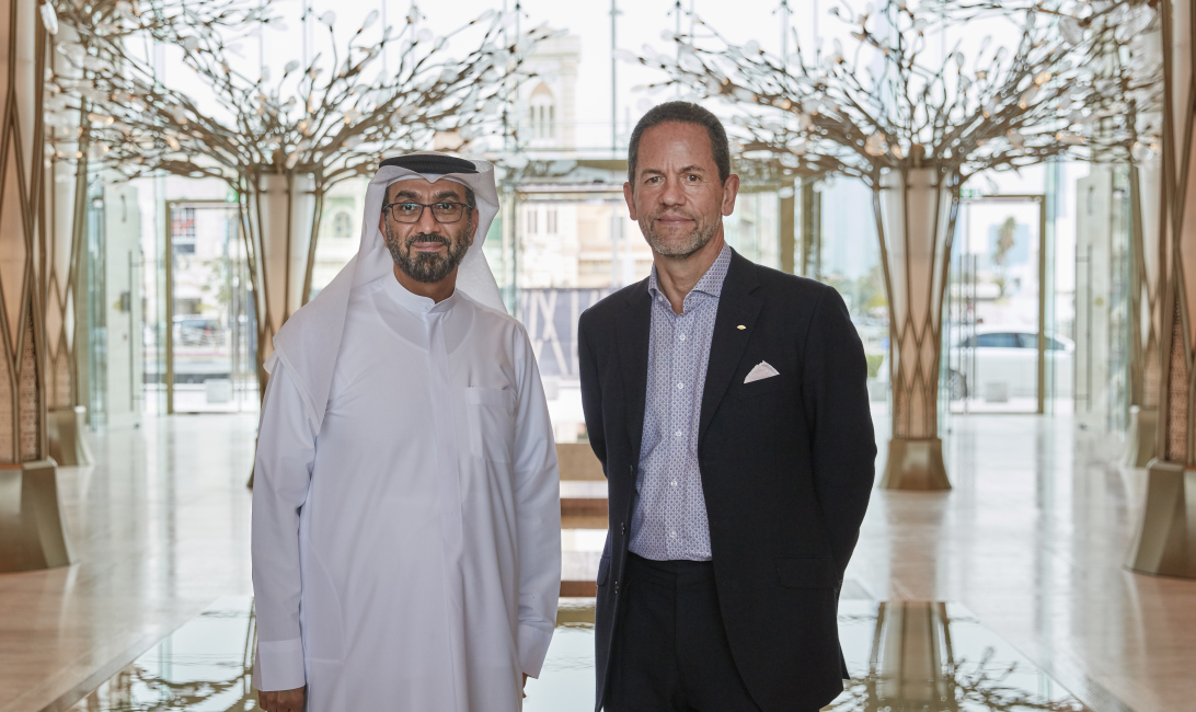 His-Excellency-Hesham-Al-Qassim,-CEO-of-wasl-Asset-Management-Group-and-James-Riley,-Group-Chief-Executive-of-Mandarin-Oriental-Hotel-Group