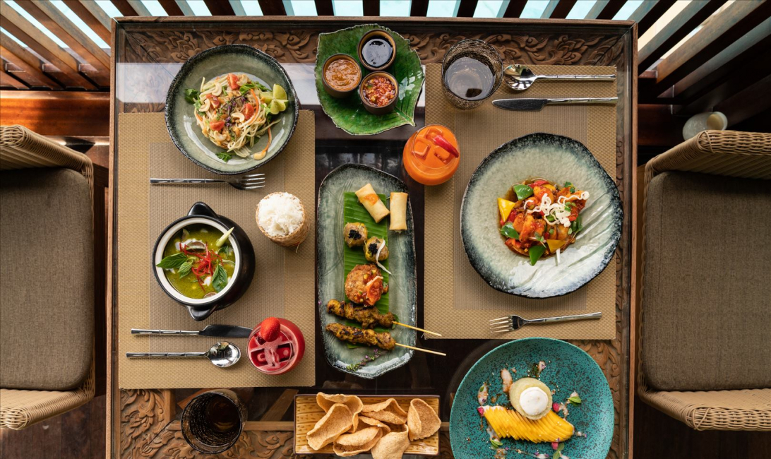 Palace Downtown, Address hotels, Thiptara, Thai cuisine, Arabic cuisine