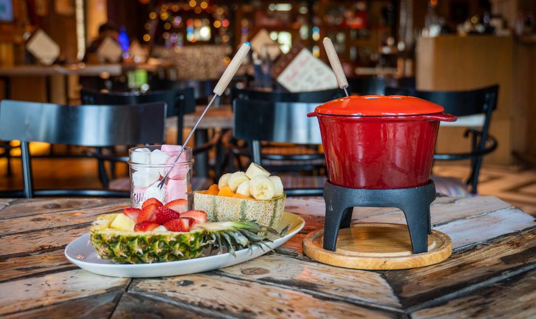 Chocolate fondue, Publique, Bistro des arts, World chocolate day