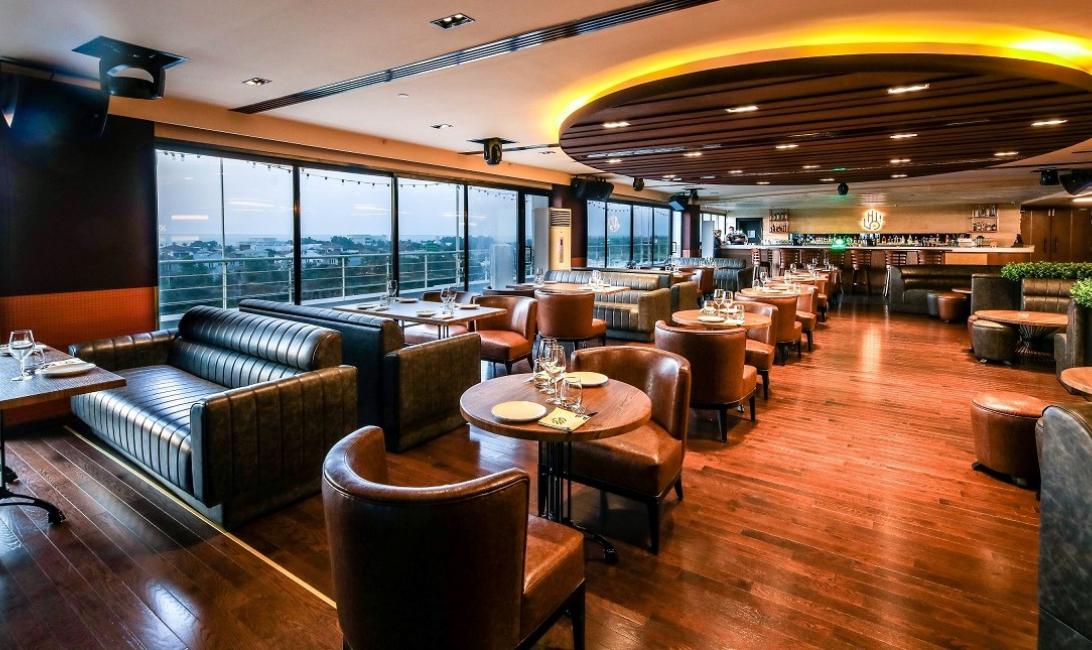 Hi five, Dubai internet city, Holiday inn express, Dubai rooftop bar, Summer deal