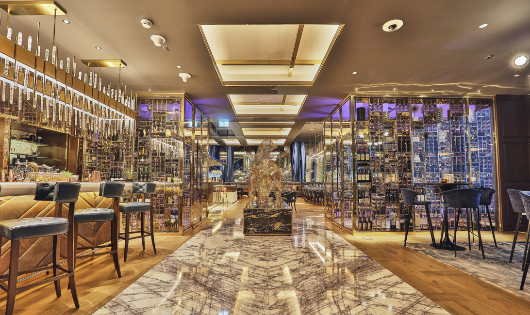Bull & bear, Waldorf astoria, Outlet 360, Spotlight, Dubai, Restaurant, Interiors, Design