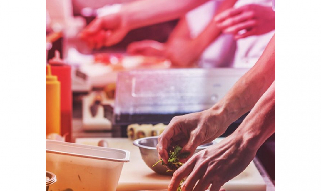 FoodKarma partners with restaurants, cafes and F&B outlets and vendors.